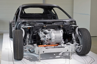 BMW i8 system view front motor 310.jpg