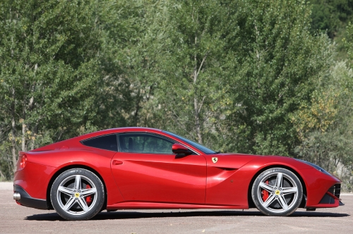 Ferrari F12 Berlinetta side view 500.jpg