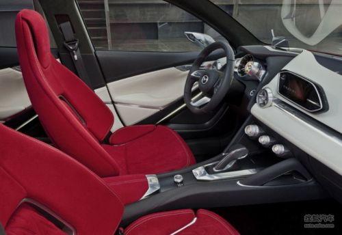 Mazda HAZUMI INSIDE 01 500.JPG
